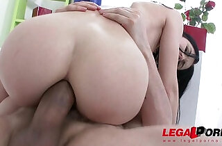 Hot slut Crystal Greenvelle gangbang with studs and cum swallows