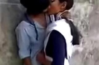 Latest New Hot School Girl Kissing on Garden