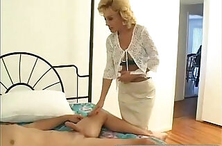 Older Aunty Loves to Suck my Big Cock