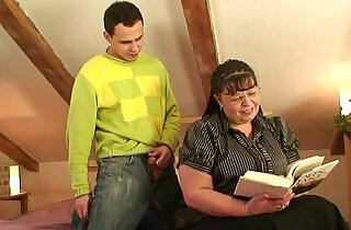 Chubby lady rides cock after blowjob