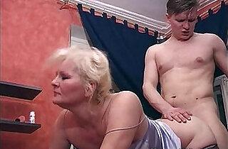 Catching His Stepmom Masturbating And They Fuck