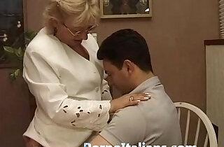 Mature Granny italian nonna vogliosa di cazzo duro Matura italiana scopa