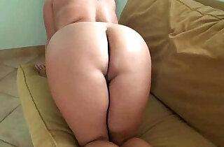 Jasmine has a plump ass that fun to pound