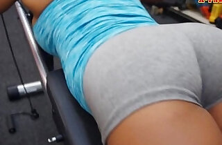 Black gym trainer banged by pawnkeeper at the pawnshop
